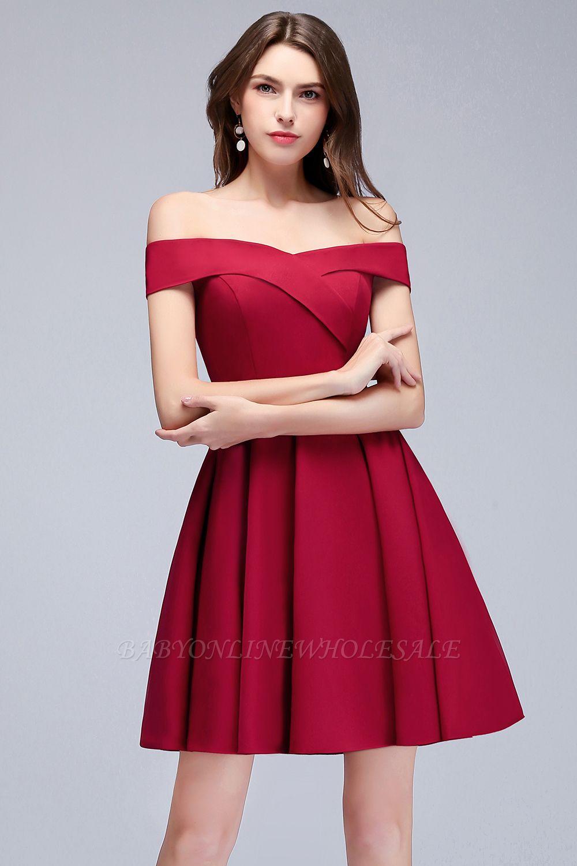 MAMIE | Una línea de hombro corto borgoña vestidos de regreso al hogar
