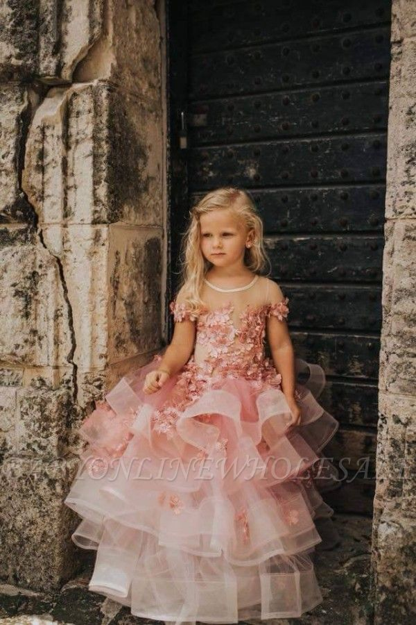 Belle bijou manches courtes à plusieurs niveaux robes de demoiselle d'honneur en tulle avec des fleurs à la main | Robe de concours de petite fille longue transparente