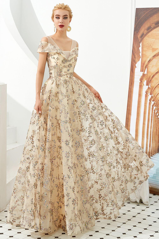 Herbert | Elegante vestido de fiesta dorado con hombros fríos y delicados apliques de encaje multicolor