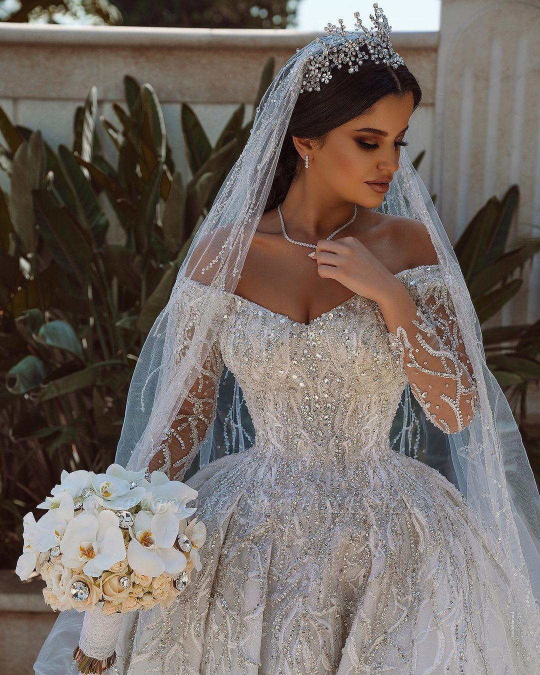 Luxuriöses Ballkleid Pailletten Brautkleid Langarm Satin ...