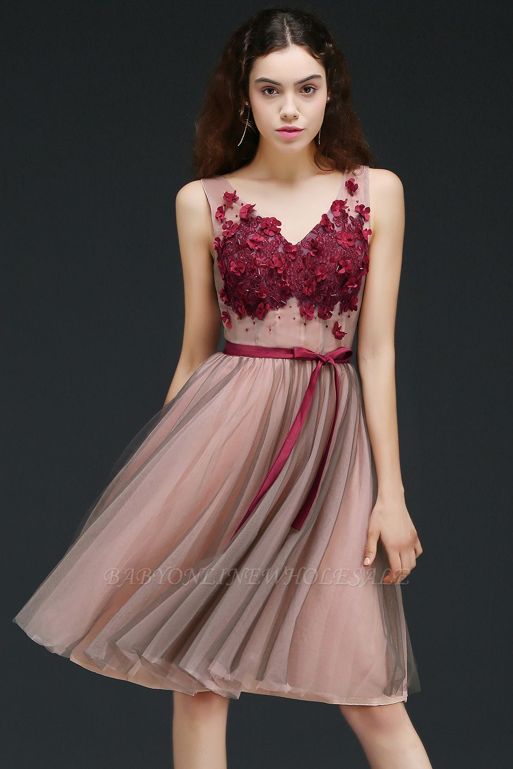 CORALINE |Princess V-neck Knee-length Tulle Homecoming Dress with a Self-tie Belt