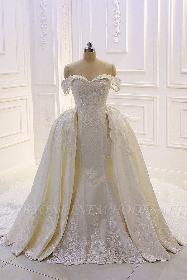 Sweetheart Lace Appliques Off-the-Shoulder Detachable Train Wedding Dress