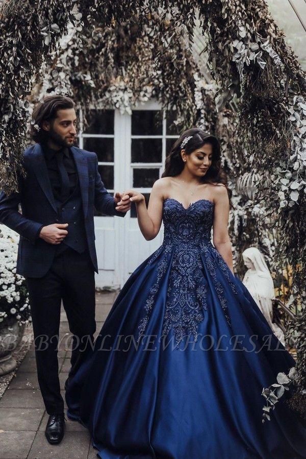 Charmantes Herz-Ausschnitt Ärmellose Spitzenapplikationen Marineblaues Hochzeitskleid