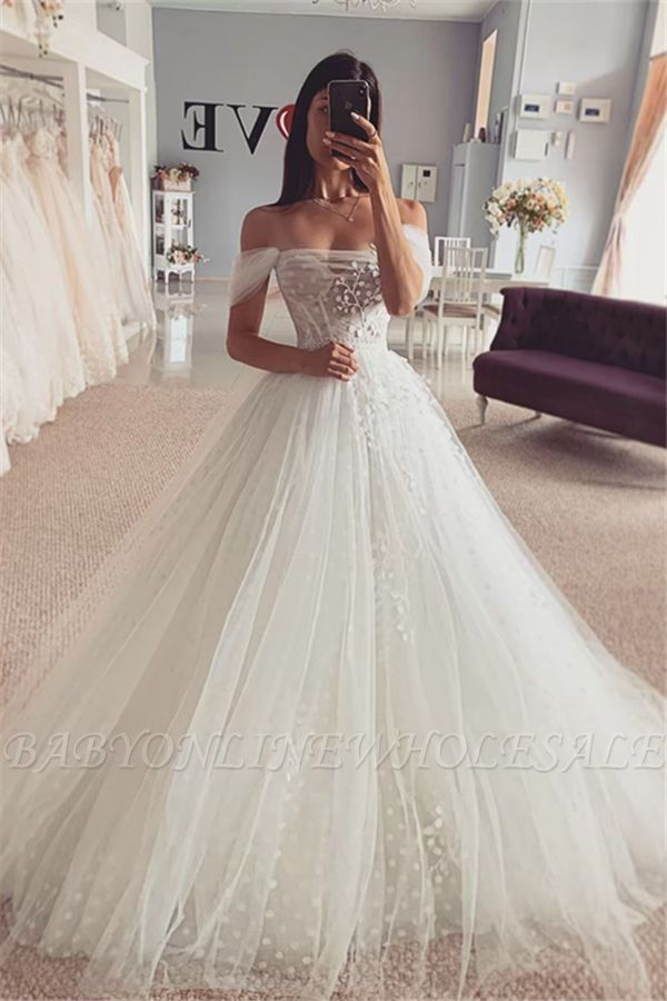 Short sleeves Off-the-shoulder Tulle Ball Gown Wedding Dress