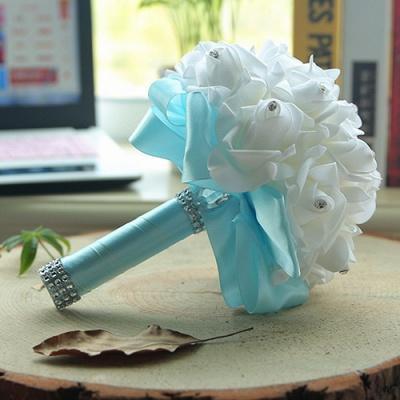 باقة الزفاف من الحرير الأبيض مع مقابض ملونة_9