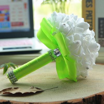 باقة الزفاف من الحرير الأبيض مع مقابض ملونة_11