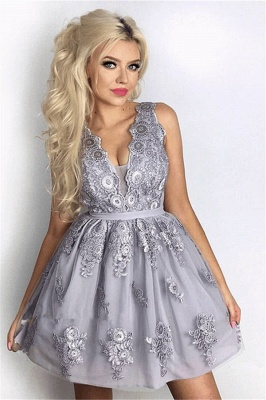 Delicate Lace Appliques V-neck Short Homecoming Dress_2