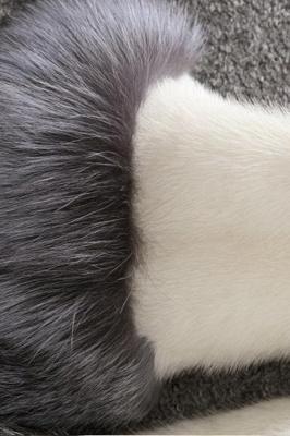 Abrigo con capucha de media longitud negro / blanco de piel sintética | Chaqueta de piel sintética con cuello chal artificial islandés_16
