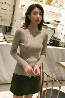 Fitted Top in a fine-knit viscose blend   Long Sleeves Round Neckline Sweater_24