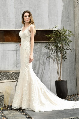 Stunning Sleeveless Fit-and-flare Lace Open Back Summer Beach Wedding Dress_6