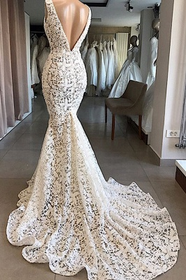 Luxury Plunging V-neck Mermaid Lace Wedding Dresses   Romantic Bridal Gowns for Garden Wedding_3