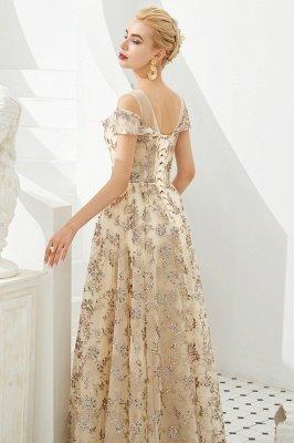 Herbert | Elegante vestido de fiesta dorado con hombros fríos y delicados apliques de encaje multicolor_9