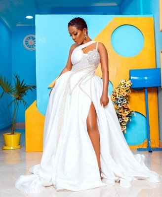 Vestido de novia de encaje con un solo hombro y un hombro_5