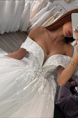 Wunderschönes schulterfreies Brautkleid aus weißem / elfenbeinfarbenem Blumenspitzen-Frühlingskleid_2