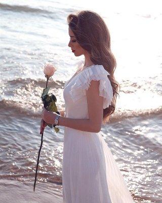 Robe de mariée en mousseline de soie à volants et encolure en V blanche_3