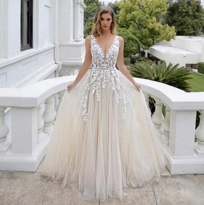 Belle robe de mariée sans manches en tulle avec col en V et dentelle_2