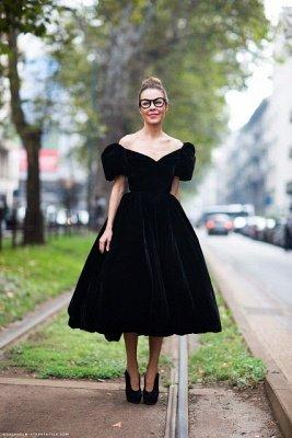 Moderne schulterfreie schwarze Prinzessin Abendkleid Reißverschluss Tee-Länge_1